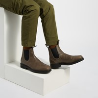 Men's Chisel Toe Chelsea Boots in Grey