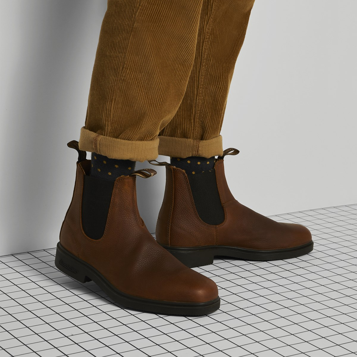 1313 Chisel Toe Chelsea Boots In Brown Little Burgundy
