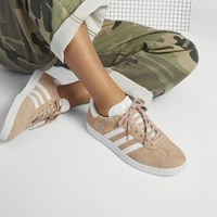 Women's Gazelle Sneaker in Light Pink