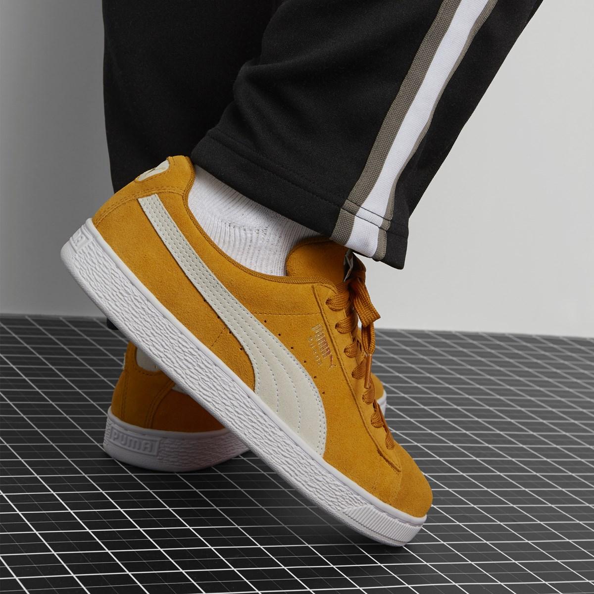 Men's Suede Classic Sneaker in Yellow