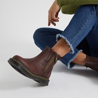 Women's 2976 Alyson Boots in Brown
