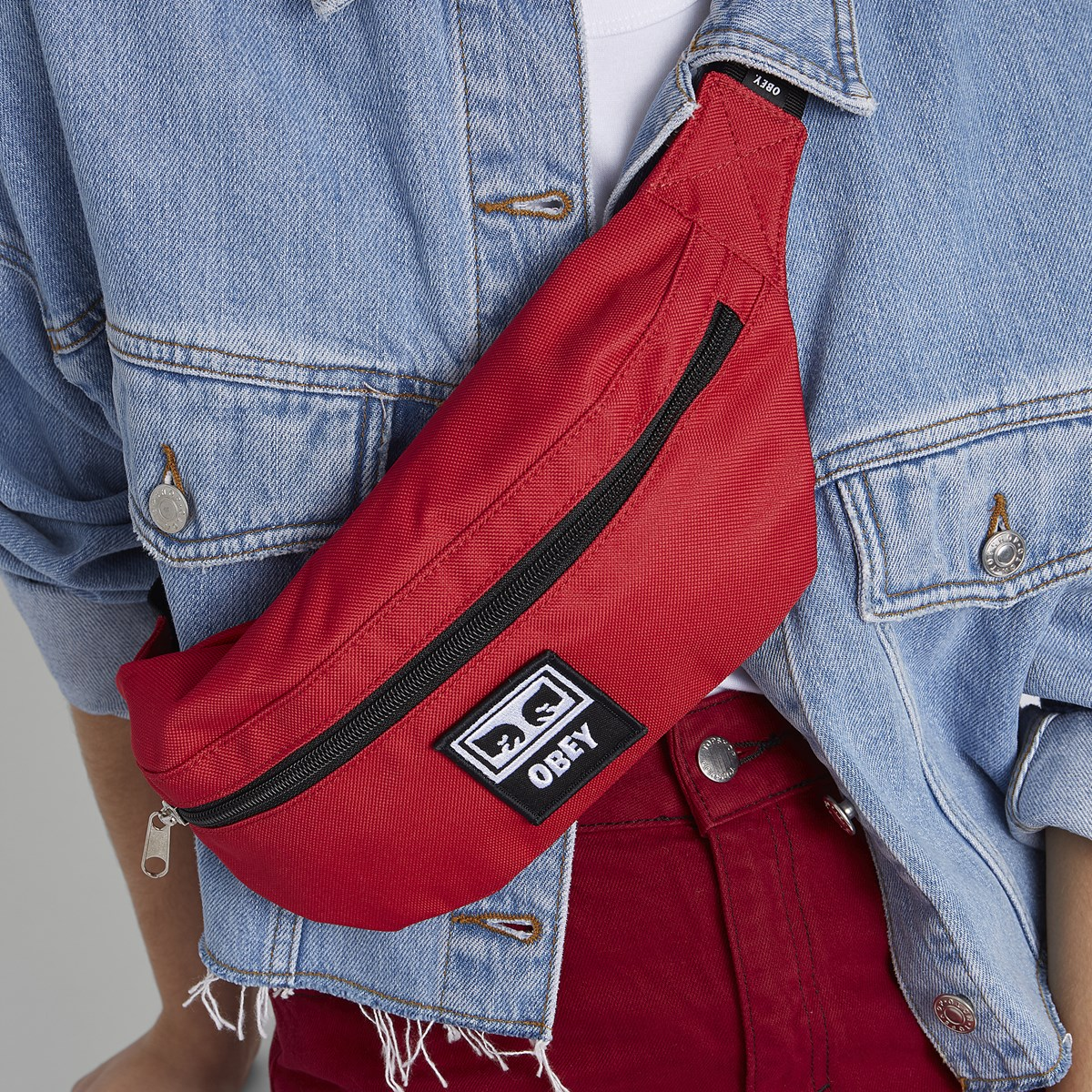 Daily Sling Bag in Red
