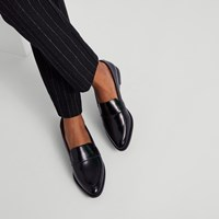 Women's Izabel Loafers in Black