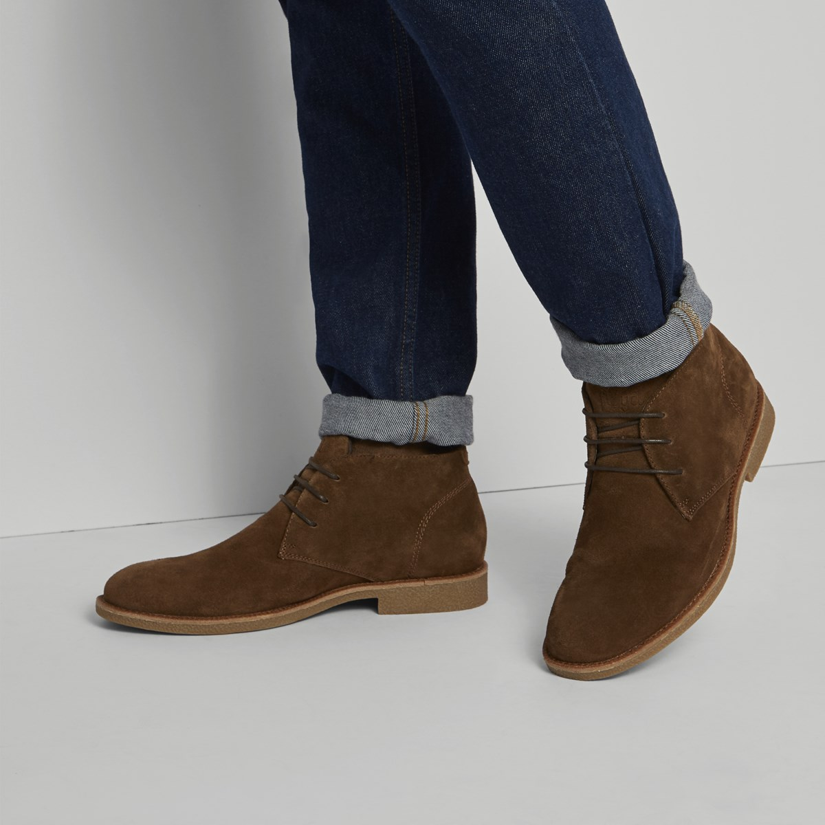 Men's Emilio Lace-Up Shoe in Brown Suede