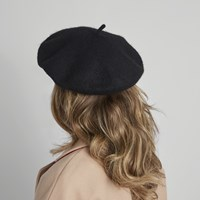Women's Beret in Black