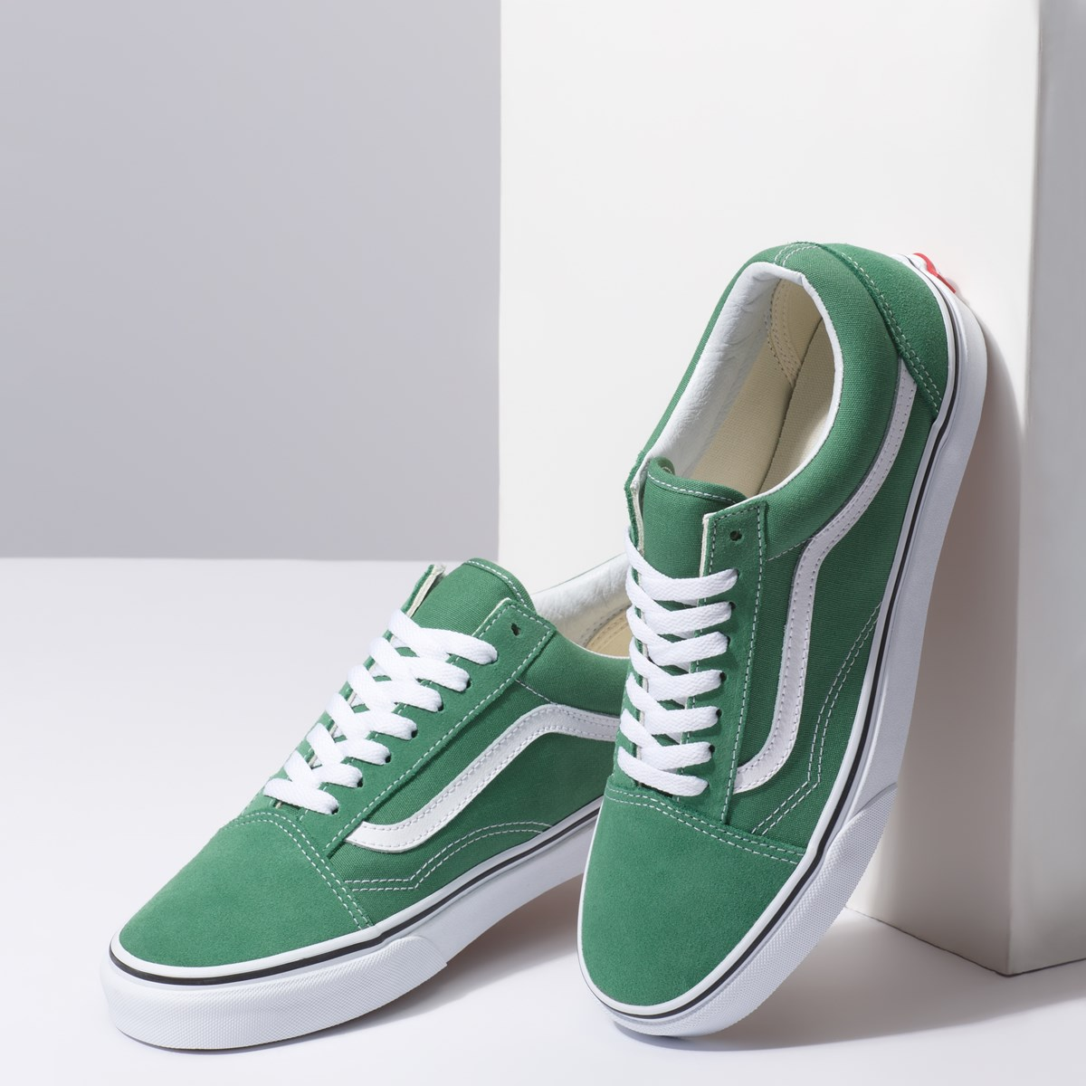 cc78eb0c0e84 promotional Men s Old Skool Sneaker in Green. Previous. default view  ALT1   ALT2