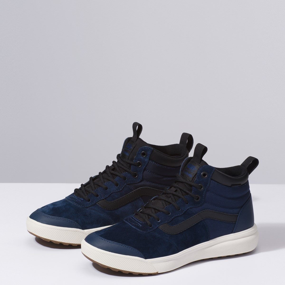 Men's UltraRange Hi sneaker in Navy