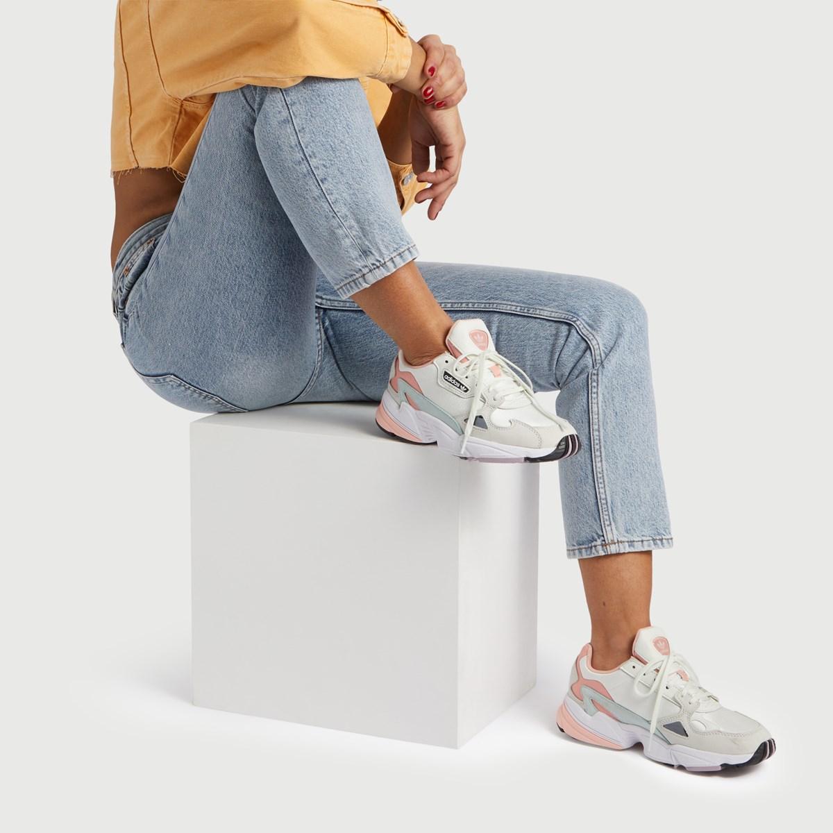 Women's Falcon W Sneaker in Pink
