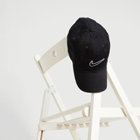 Hertiage 86 Essential Swoosh Cap in Black