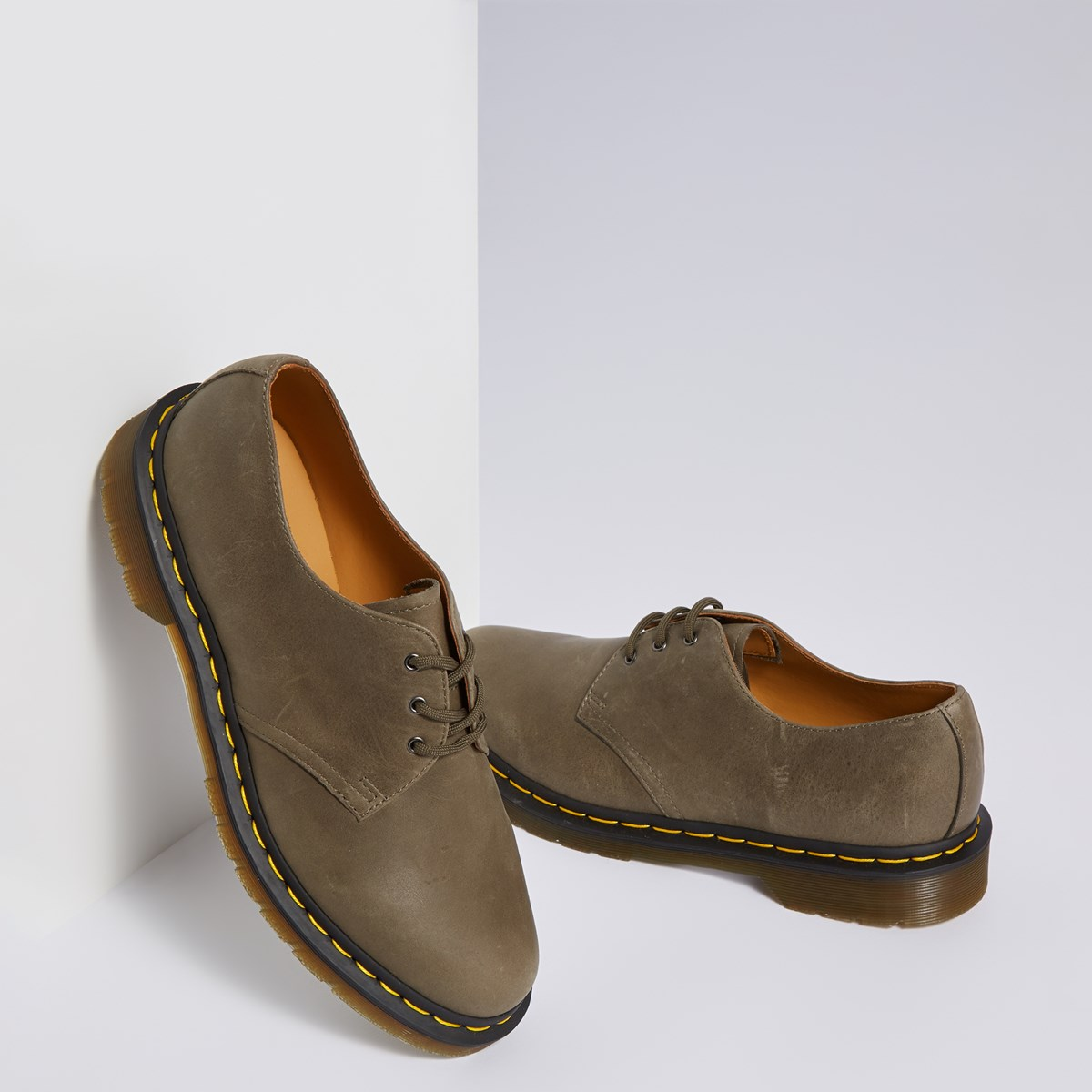 Men's 1461 Dusky Shoe in Beige