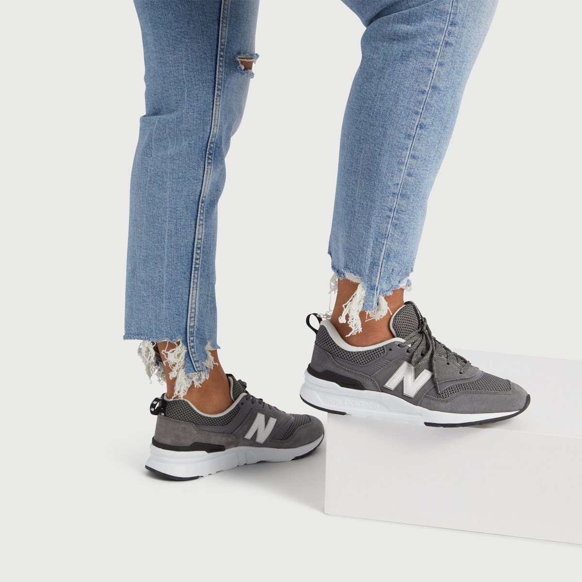 Women's 997 Sneaker in Grey