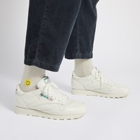 Men's Classic Leather Sneakers in Chalk