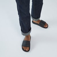 Sandales Adilette Boost noires pour hommes