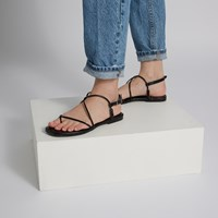 Women's Wren Strapped Sandals in Black