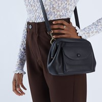 Sara Crossbody Bag in Black