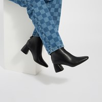 Women's Deena Heeled Ankle Boots in Black