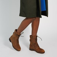 Women's Gracyn Heeled Boots in Brown