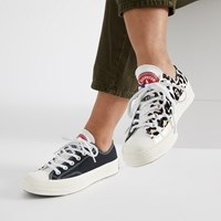 Women's Chuck 70 Ox Leopard Sneakers in Black