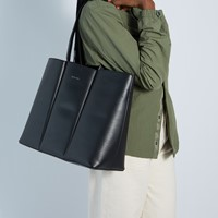 Hyde Tote Bag in Black