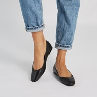Women's Eve Flats in Black