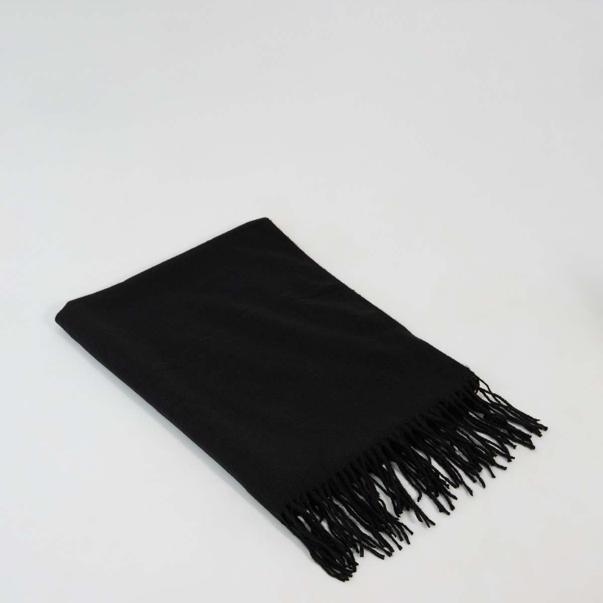 Avery Scarf in Black