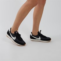 Women's Daybreak Sneakers in Black/White