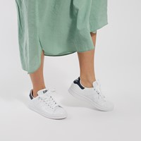 Women's Stan Smith Primegreen Sneakers in White/Navy