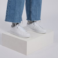 Women's Court Royale 2 Sneakers in White