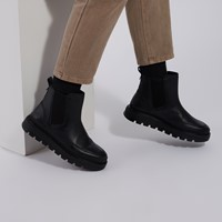 Women's Ray City Chelsea Boots in Black
