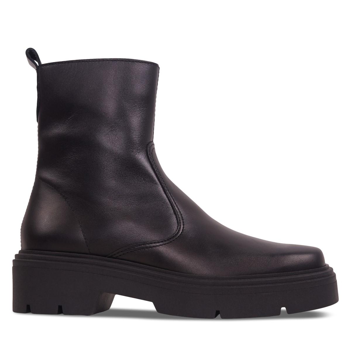 Women's Chloe Heeled Boots in Black
